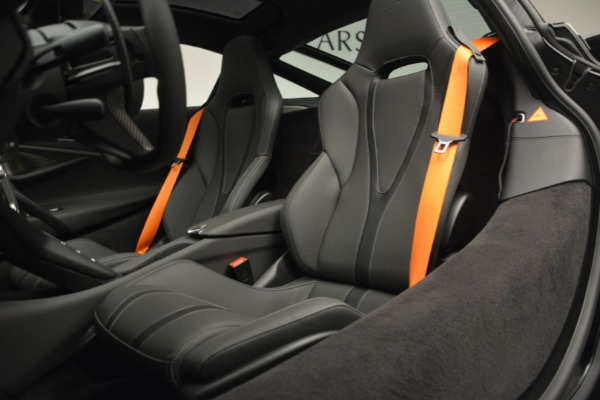 New 2019 McLaren 720S Coupe for sale $344,340 at Bugatti of Greenwich in Greenwich CT 06830 20