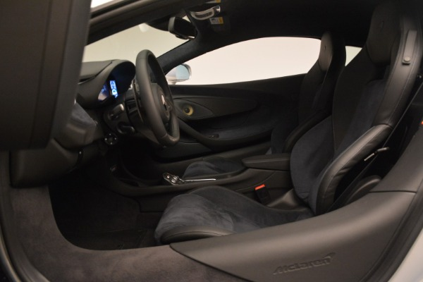 Used 2017 McLaren 570S Coupe for sale $159,900 at Bugatti of Greenwich in Greenwich CT 06830 16