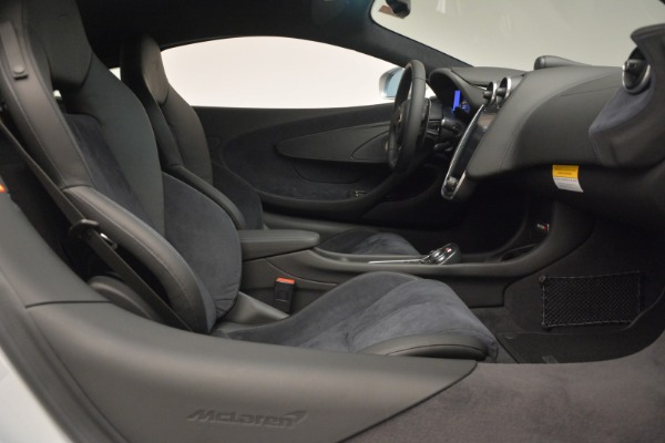 Used 2017 McLaren 570S Coupe for sale $159,900 at Bugatti of Greenwich in Greenwich CT 06830 19