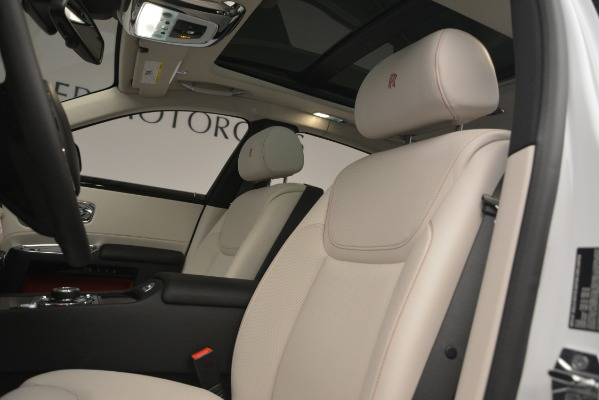 Used 2019 Rolls-Royce Ghost for sale $298,900 at Bugatti of Greenwich in Greenwich CT 06830 14