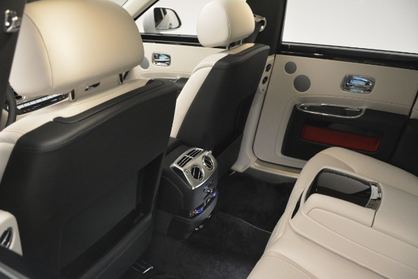 Used 2019 Rolls-Royce Ghost for sale $298,900 at Bugatti of Greenwich in Greenwich CT 06830 22