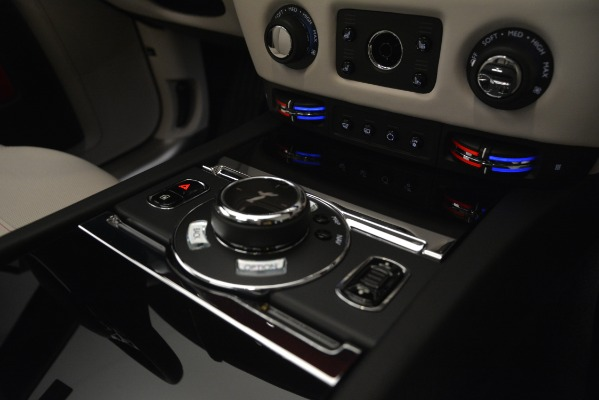 Used 2019 Rolls-Royce Ghost for sale $298,900 at Bugatti of Greenwich in Greenwich CT 06830 23