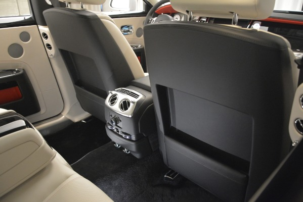 Used 2019 Rolls-Royce Ghost for sale $298,900 at Bugatti of Greenwich in Greenwich CT 06830 25