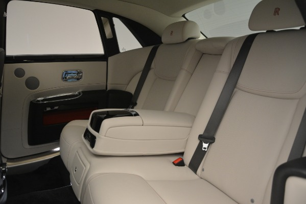 Used 2019 Rolls-Royce Ghost for sale $298,900 at Bugatti of Greenwich in Greenwich CT 06830 26