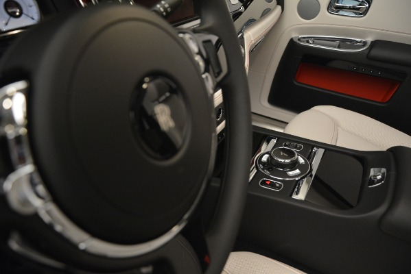 Used 2019 Rolls-Royce Ghost for sale $298,900 at Bugatti of Greenwich in Greenwich CT 06830 28