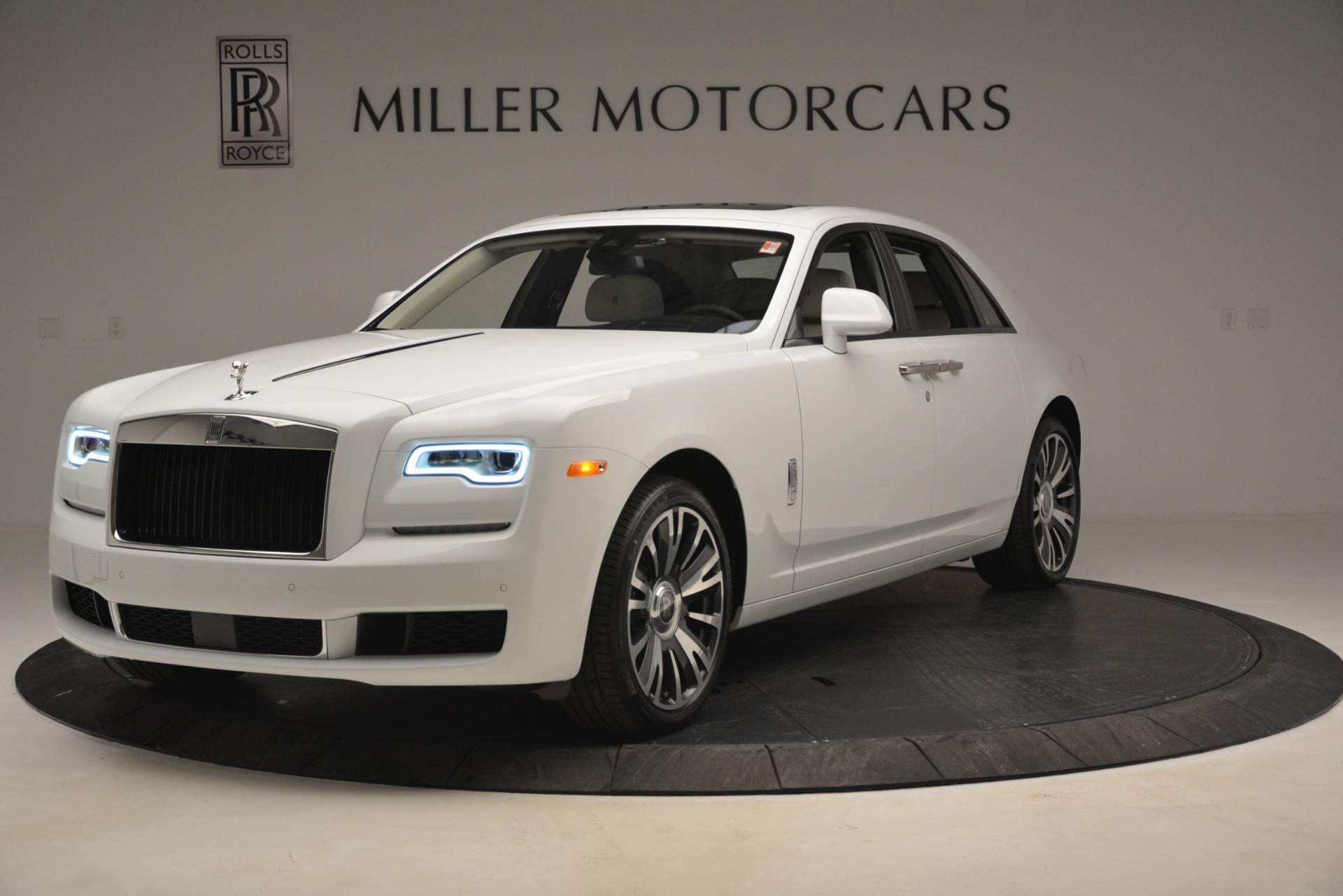 Used 2019 Rolls-Royce Ghost for sale $298,900 at Bugatti of Greenwich in Greenwich CT 06830 1