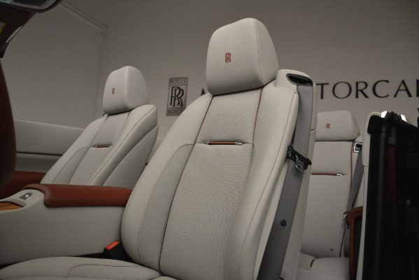 New 2019 Rolls-Royce Dawn for sale $422,325 at Bugatti of Greenwich in Greenwich CT 06830 25