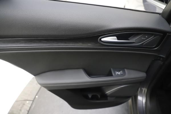 Used 2019 Alfa Romeo Stelvio Q4 for sale Sold at Bugatti of Greenwich in Greenwich CT 06830 21