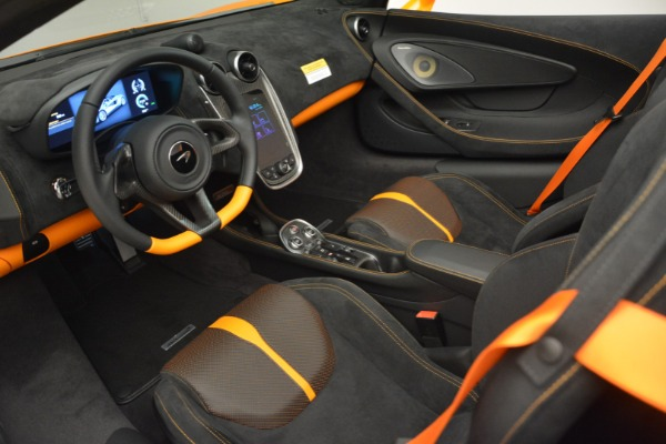 Used 2019 McLaren 570S SPIDER Convertible for sale $240,720 at Bugatti of Greenwich in Greenwich CT 06830 23