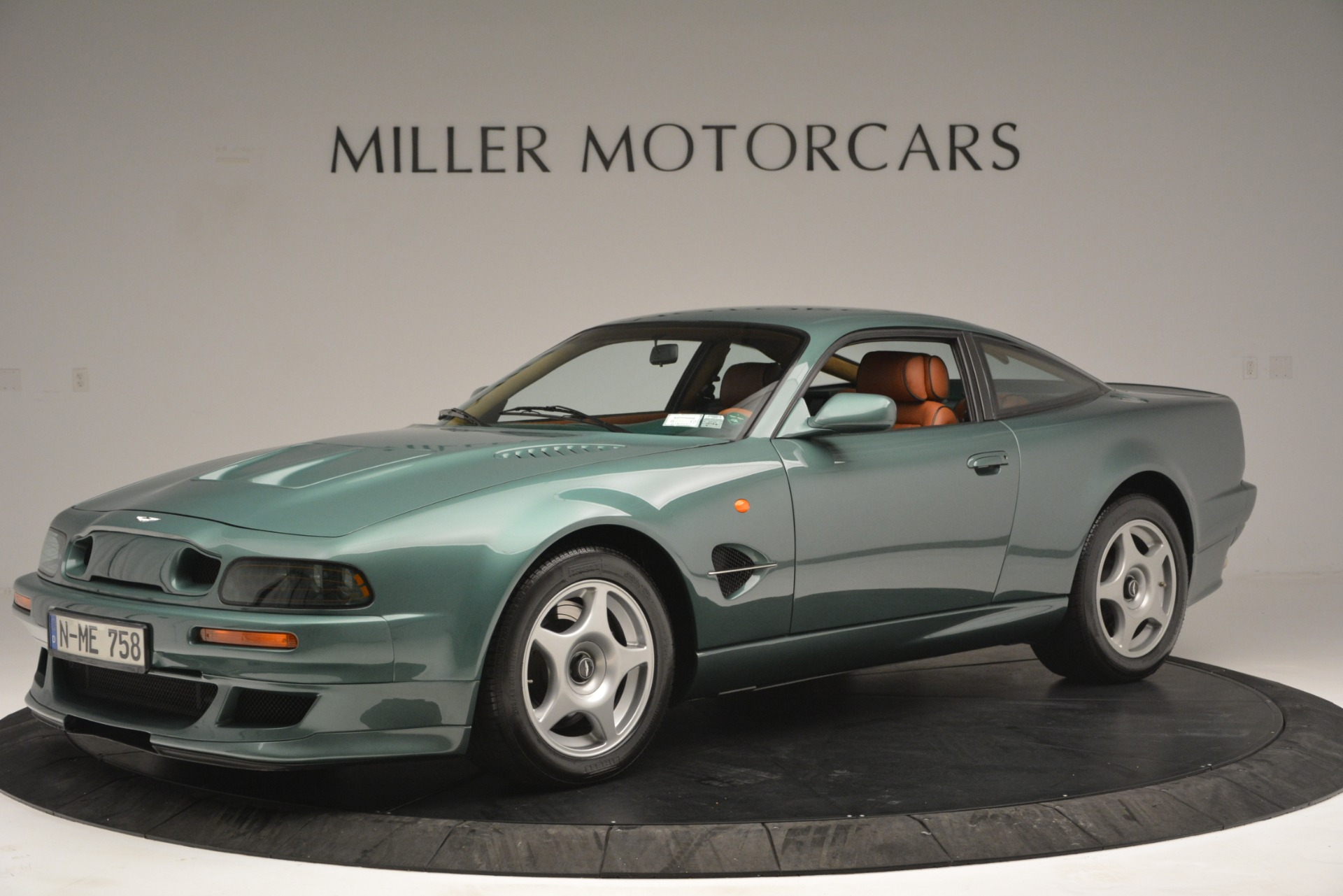 Used 1999 Aston Martin V8 Vantage Le Mans V600 Coupe for sale $550,000 at Bugatti of Greenwich in Greenwich CT 06830 1