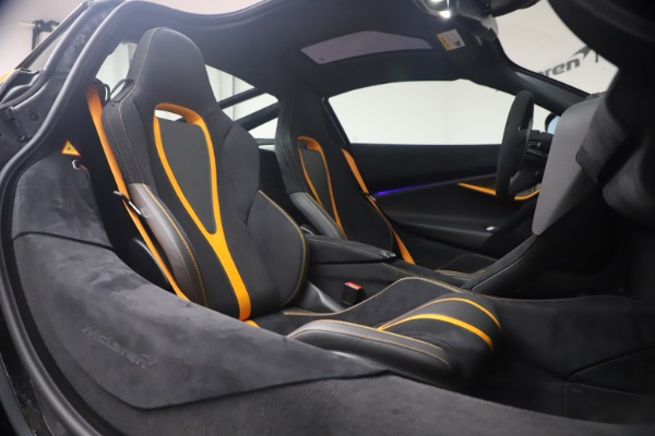 Used 2019 McLaren 720S Performance for sale $245,900 at Bugatti of Greenwich in Greenwich CT 06830 19