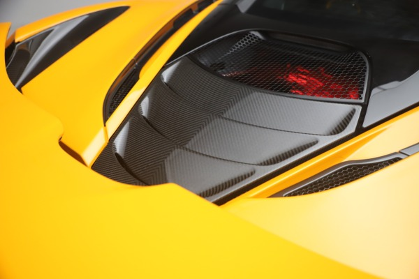 Used 2019 McLaren 720S Performance for sale $245,900 at Bugatti of Greenwich in Greenwich CT 06830 25