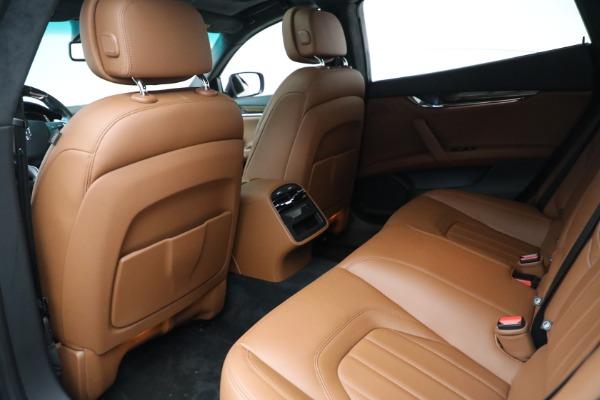 Used 2015 Maserati Quattroporte S Q4 for sale Sold at Bugatti of Greenwich in Greenwich CT 06830 15