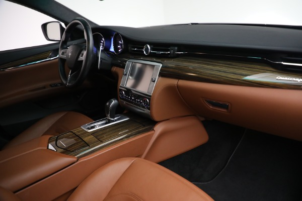 Used 2015 Maserati Quattroporte S Q4 for sale Sold at Bugatti of Greenwich in Greenwich CT 06830 19