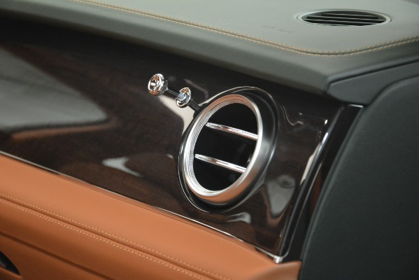 New 2019 Bentley Bentayga V8 for sale Sold at Bugatti of Greenwich in Greenwich CT 06830 24