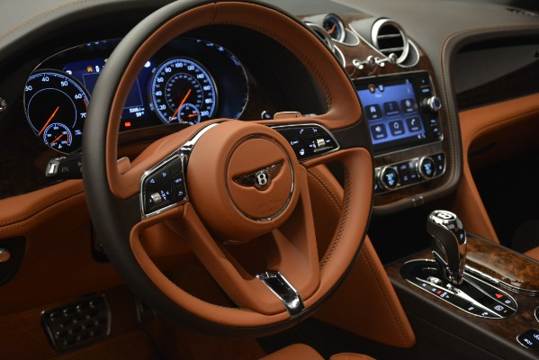 Used 2017 Bentley Bentayga W12 for sale Sold at Bugatti of Greenwich in Greenwich CT 06830 20
