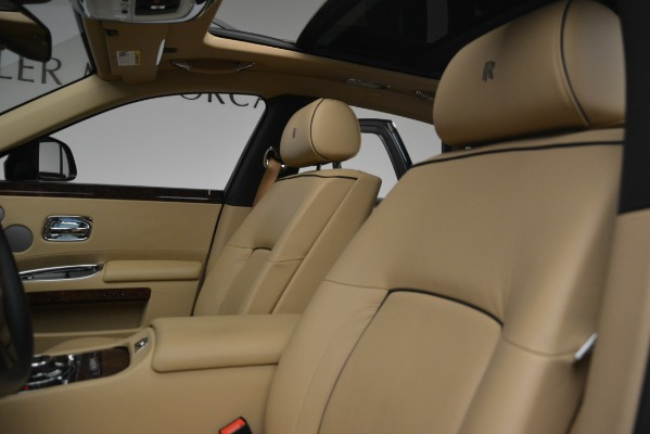 Used 2014 Rolls-Royce Ghost for sale Sold at Bugatti of Greenwich in Greenwich CT 06830 16