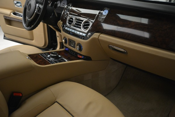 Used 2014 Rolls-Royce Ghost for sale Sold at Bugatti of Greenwich in Greenwich CT 06830 26