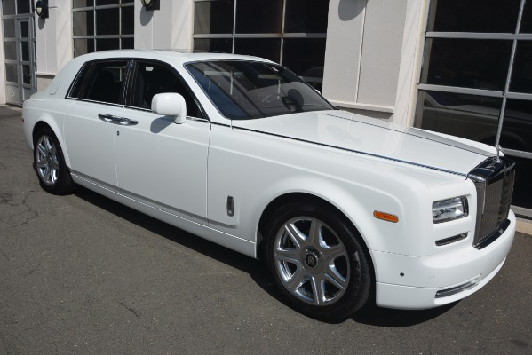 Used 2014 Rolls-Royce Phantom for sale Sold at Bugatti of Greenwich in Greenwich CT 06830 12