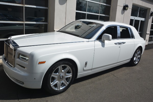 Used 2014 Rolls-Royce Phantom for sale Sold at Bugatti of Greenwich in Greenwich CT 06830 3