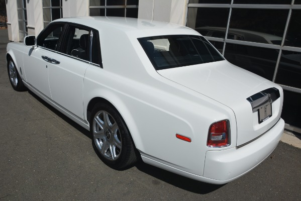 Used 2014 Rolls-Royce Phantom for sale Sold at Bugatti of Greenwich in Greenwich CT 06830 5