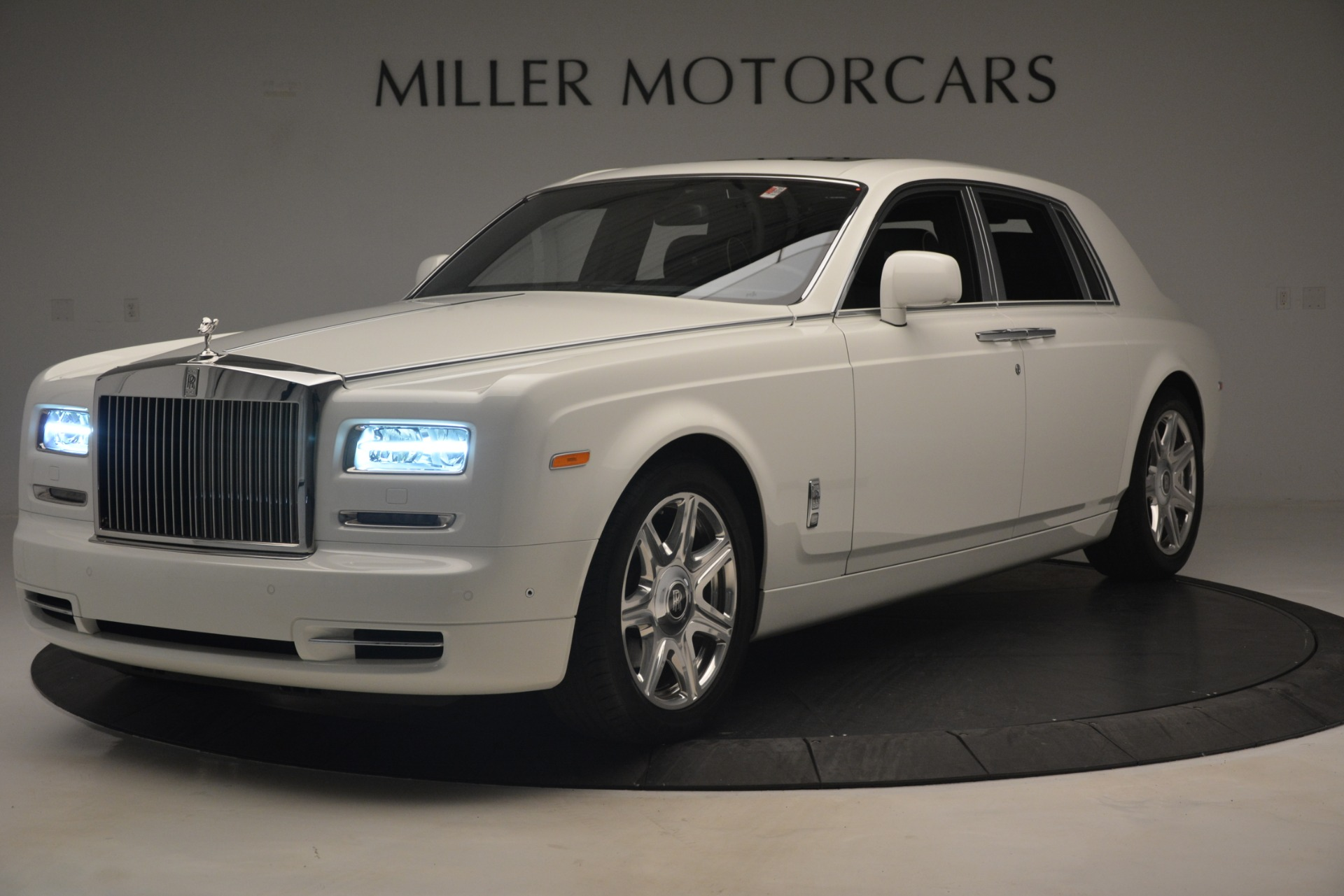 Used 2014 Rolls-Royce Phantom for sale Sold at Bugatti of Greenwich in Greenwich CT 06830 1