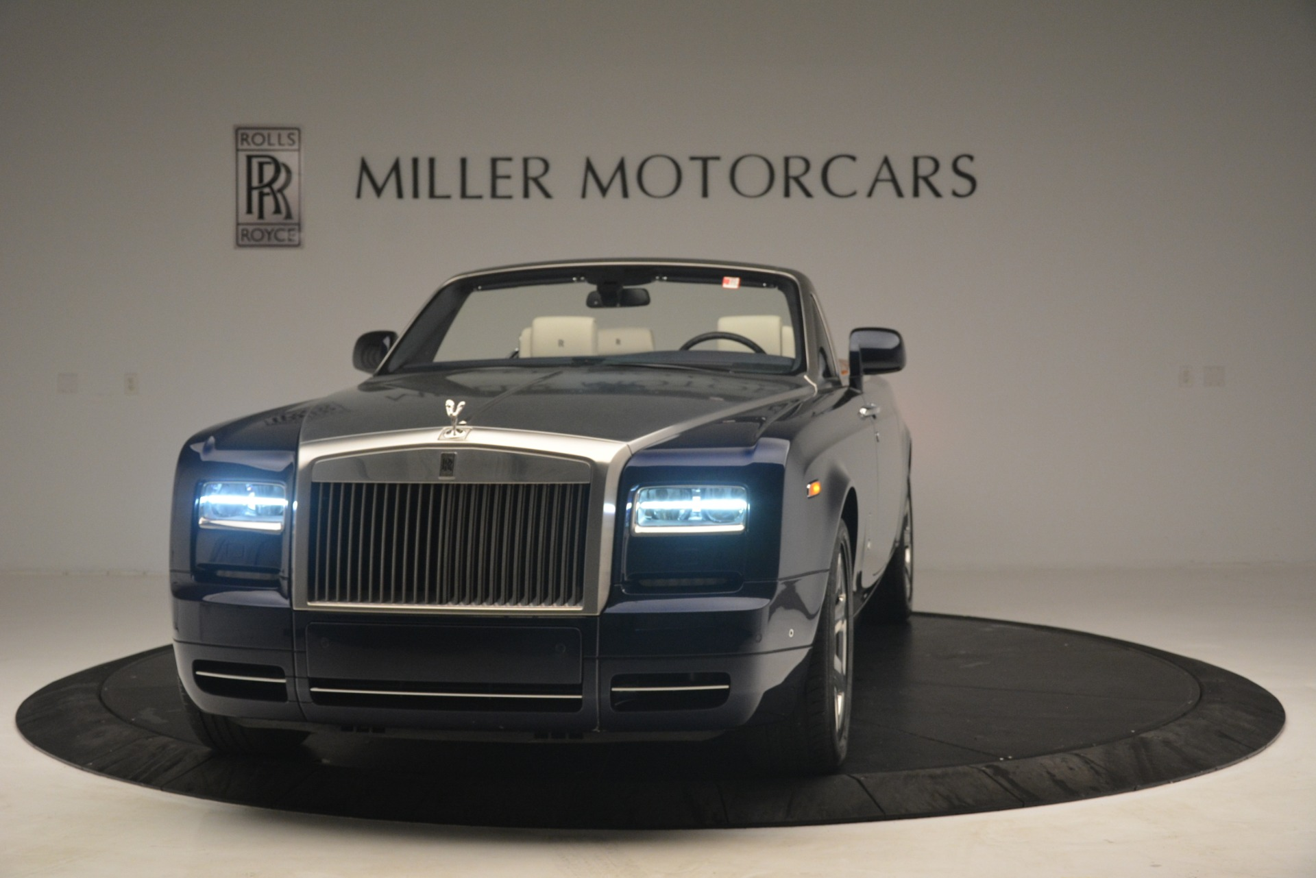 Used 2013 Rolls-Royce Phantom Drophead Coupe for sale Sold at Bugatti of Greenwich in Greenwich CT 06830 1