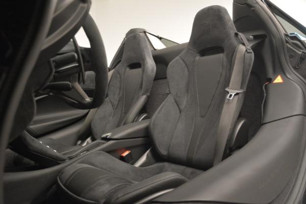 New 2019 McLaren 720S Spider for sale $399,030 at Bugatti of Greenwich in Greenwich CT 06830 25