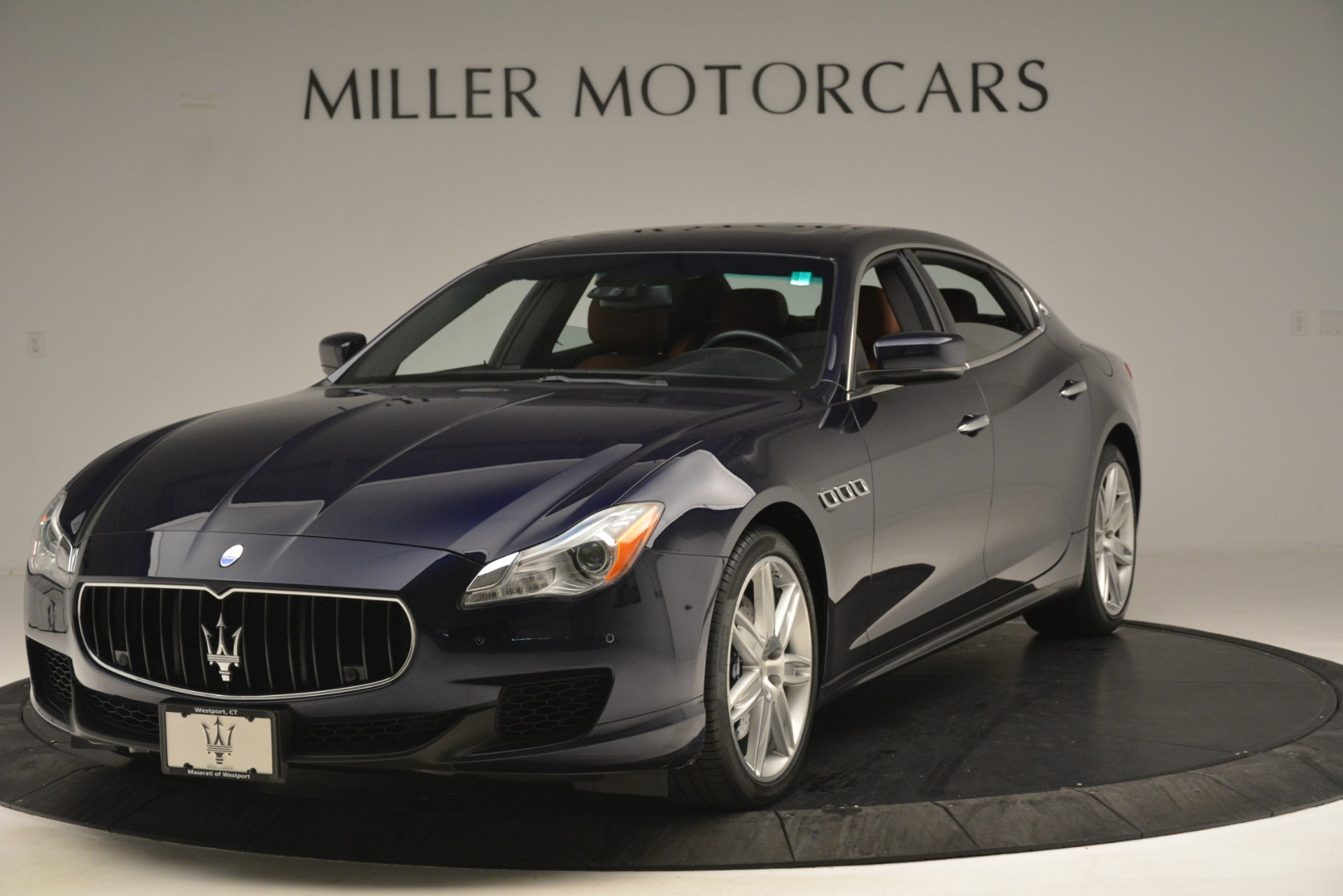 Used 2015 Maserati Quattroporte S Q4 for sale Sold at Bugatti of Greenwich in Greenwich CT 06830 1
