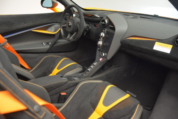 New 2020 McLaren 720S Spider for sale $406,620 at Bugatti of Greenwich in Greenwich CT 06830 27