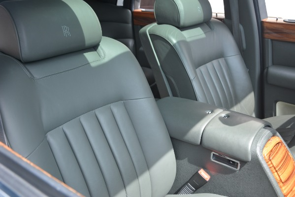 Used 2007 Rolls-Royce Phantom for sale Sold at Bugatti of Greenwich in Greenwich CT 06830 21