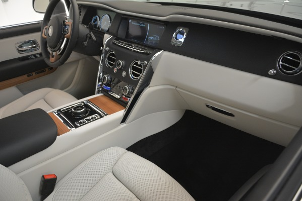 New 2019 Rolls-Royce Cullinan for sale Sold at Bugatti of Greenwich in Greenwich CT 06830 20