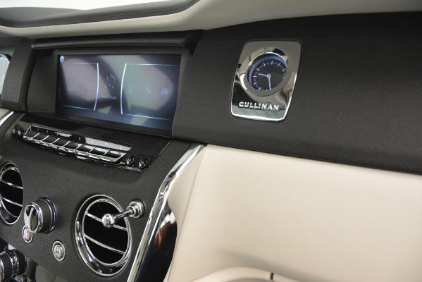 New 2019 Rolls-Royce Cullinan for sale Sold at Bugatti of Greenwich in Greenwich CT 06830 25