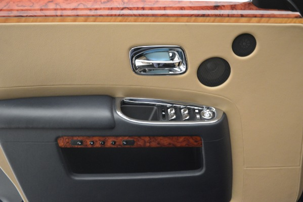 Used 2015 Rolls-Royce Ghost for sale Sold at Bugatti of Greenwich in Greenwich CT 06830 24