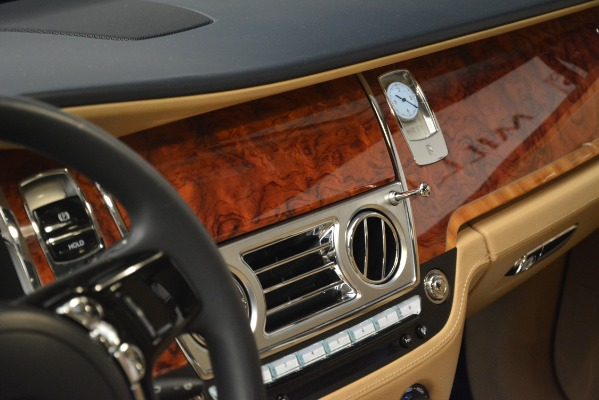 Used 2015 Rolls-Royce Ghost for sale Sold at Bugatti of Greenwich in Greenwich CT 06830 26
