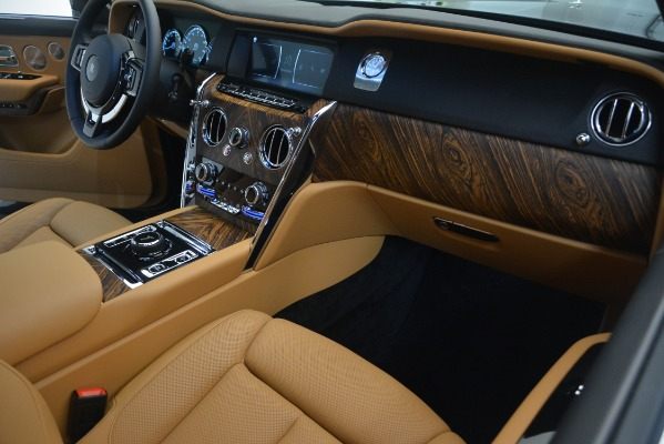 Used 2019 Rolls-Royce Cullinan for sale Sold at Bugatti of Greenwich in Greenwich CT 06830 23