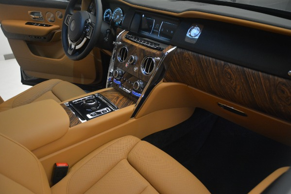 Used 2019 Rolls-Royce Cullinan for sale Sold at Bugatti of Greenwich in Greenwich CT 06830 24