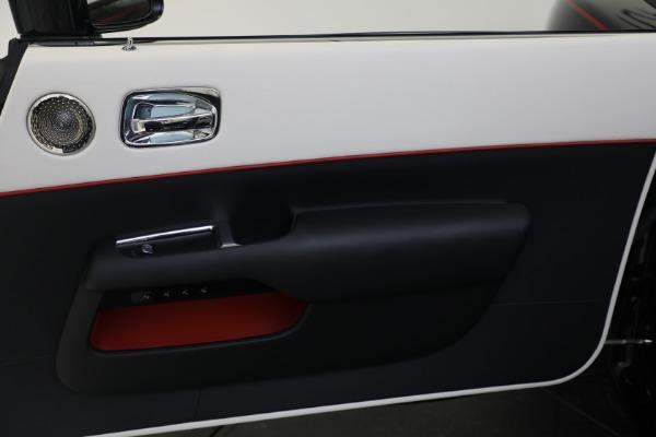Used 2019 Rolls-Royce Dawn for sale $379,900 at Bugatti of Greenwich in Greenwich CT 06830 16