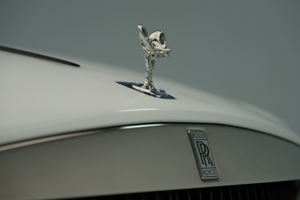 New 2019 Rolls-Royce Wraith for sale $391,000 at Bugatti of Greenwich in Greenwich CT 06830 25