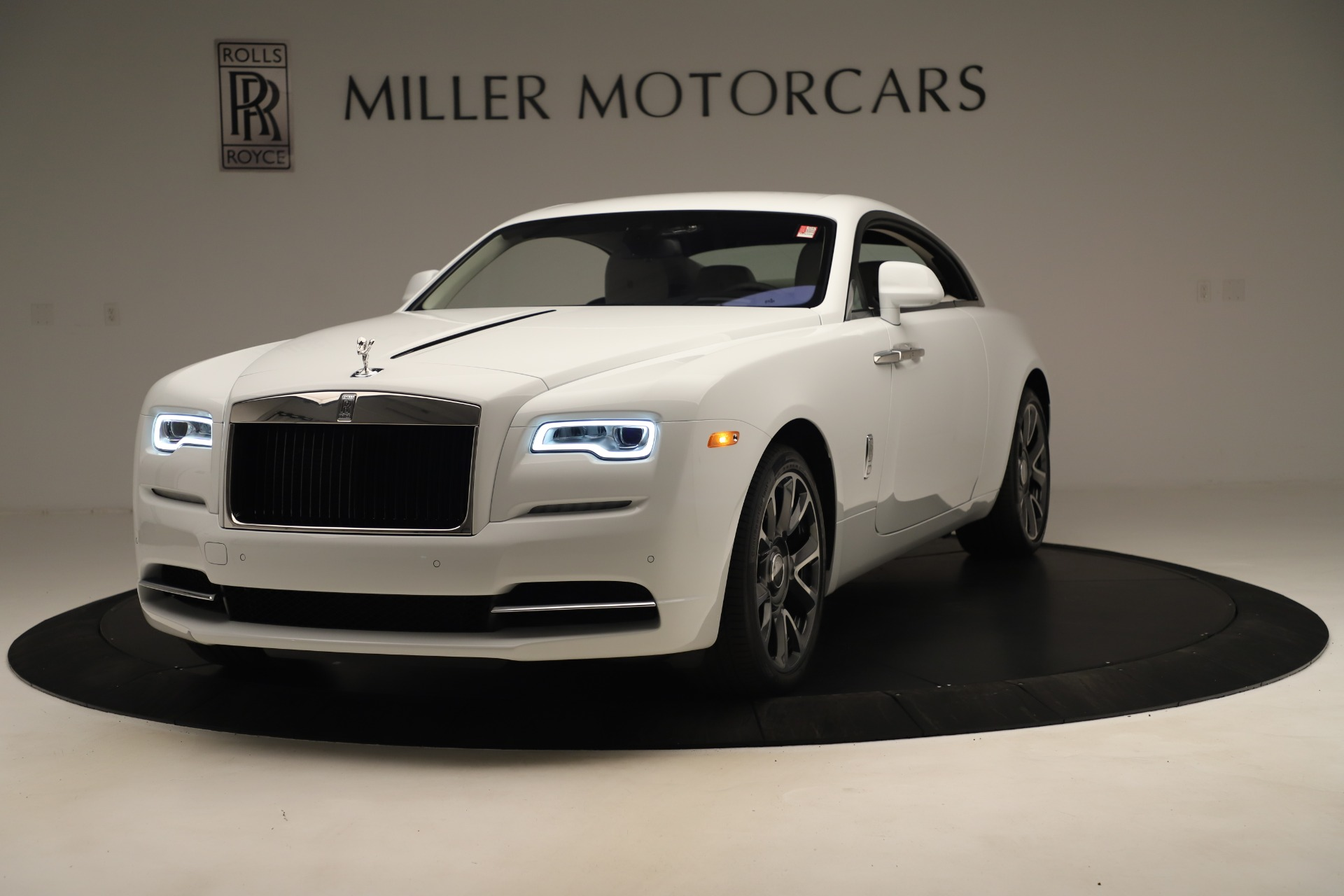 New 2019 Rolls-Royce Wraith for sale $391,000 at Bugatti of Greenwich in Greenwich CT 06830 1