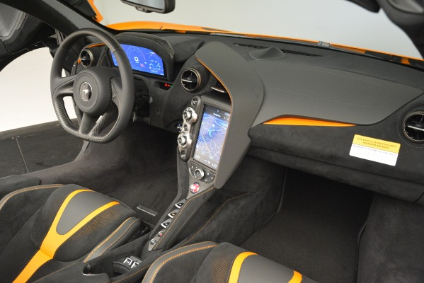 New 2020 McLaren 720S SPIDER Convertible for sale Sold at Bugatti of Greenwich in Greenwich CT 06830 24