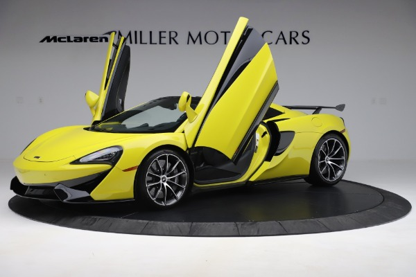 New 2019 McLaren 570S SPIDER Convertible for sale $227,660 at Bugatti of Greenwich in Greenwich CT 06830 18