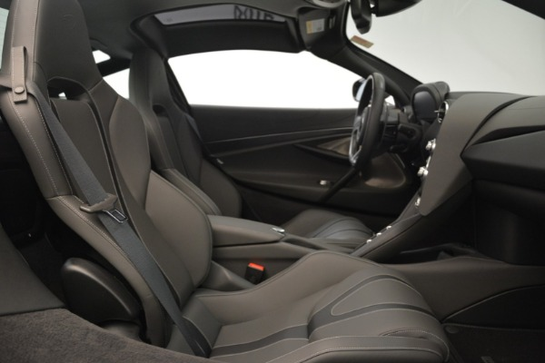 Used 2018 McLaren 720S for sale $269,900 at Bugatti of Greenwich in Greenwich CT 06830 18