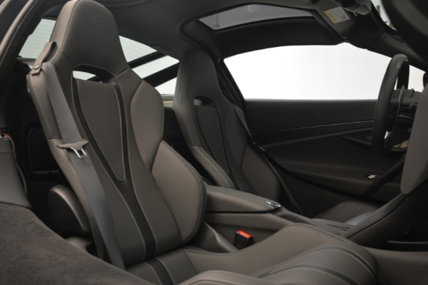 Used 2018 McLaren 720S for sale $269,900 at Bugatti of Greenwich in Greenwich CT 06830 19