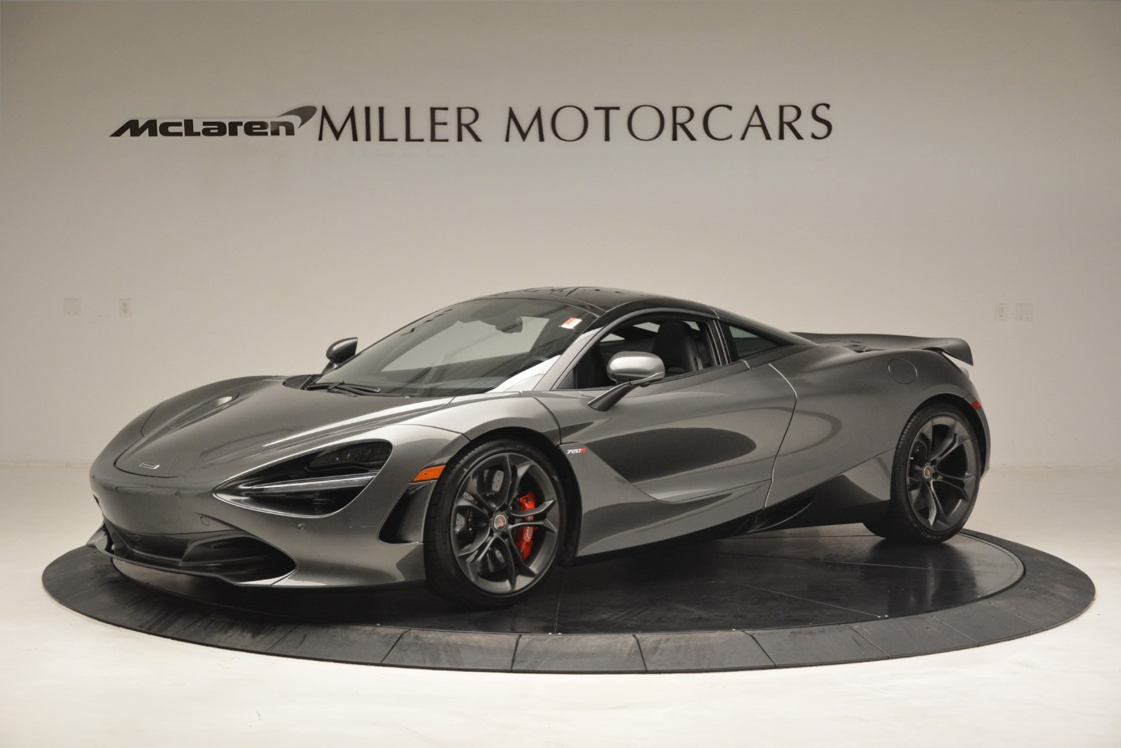 Used 2018 McLaren 720S for sale $269,900 at Bugatti of Greenwich in Greenwich CT 06830 1