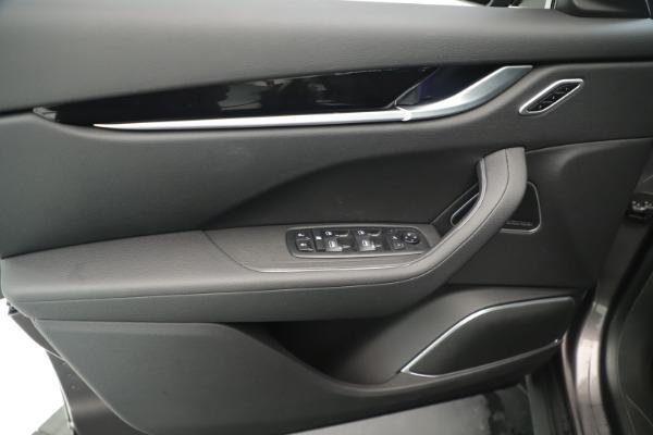 New 2019 Maserati Levante Q4 Nerissimo for sale $89,850 at Bugatti of Greenwich in Greenwich CT 06830 17