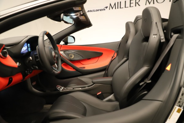 Used 2020 McLaren 600LT Spider for sale $249,900 at Bugatti of Greenwich in Greenwich CT 06830 26