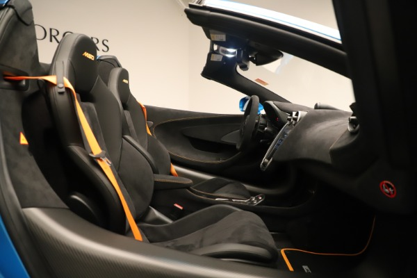 New 2020 McLaren 600LT SPIDER Convertible for sale $303,059 at Bugatti of Greenwich in Greenwich CT 06830 25