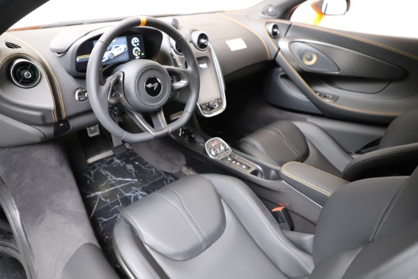New 2019 McLaren 600LT for sale $279,310 at Bugatti of Greenwich in Greenwich CT 06830 16