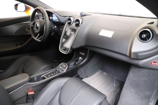 New 2019 McLaren 600LT for sale $279,310 at Bugatti of Greenwich in Greenwich CT 06830 17